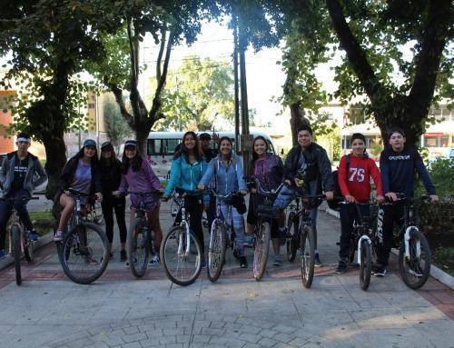 1ºB Enseñanza Media, compartiendo una salida en bicicleta